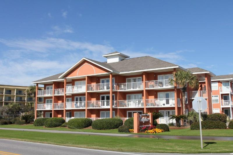 Gulfview Condo, will accept any reasonable offer - Image 1 - Miramar Beach - rentals
