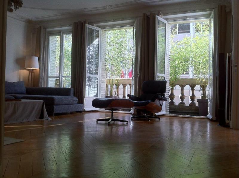 Elegant 3 BR flat for a luxury time St Germain - Image 1 - 7th Arrondissement Palais-Bourbon - rentals