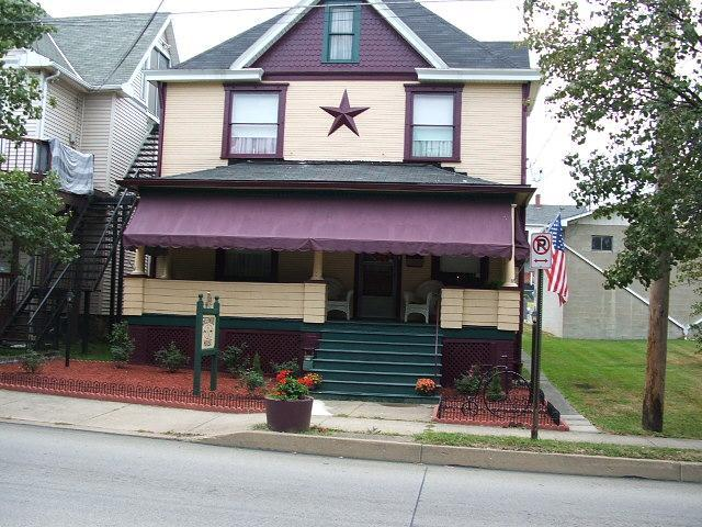 The Greenwood House of Connellsville - Image 1 - Connellsville - rentals