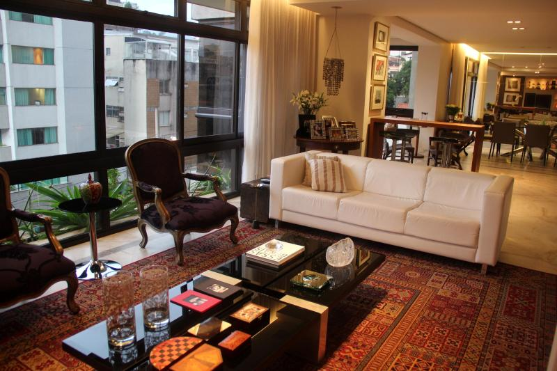 Living room - Great 4 bedroom apt only for Confed./World Cup - Belo Horizonte - rentals