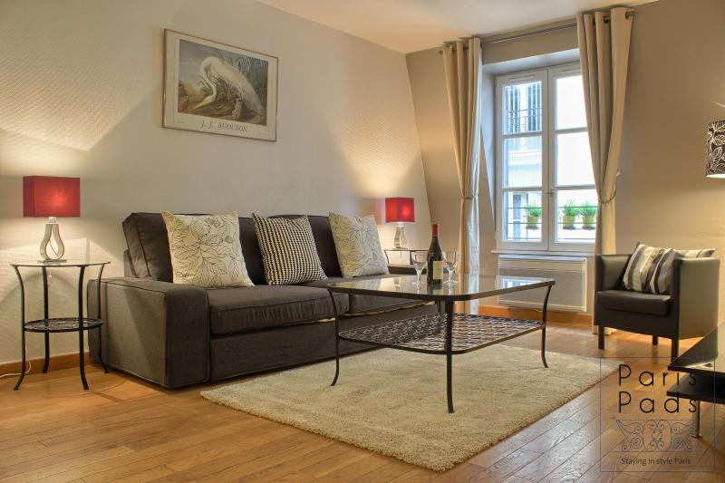 living room - Chic Beaubourg NEW WINTER PRICING - Paris - rentals