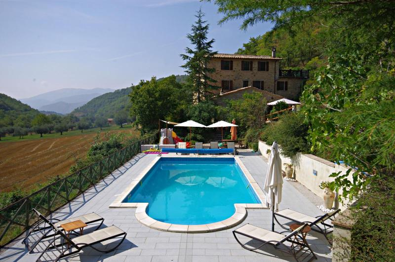 View from the swimming pool - Beautiful Farmhouse Apartment Nr Perugia with Pool - Perugia - rentals
