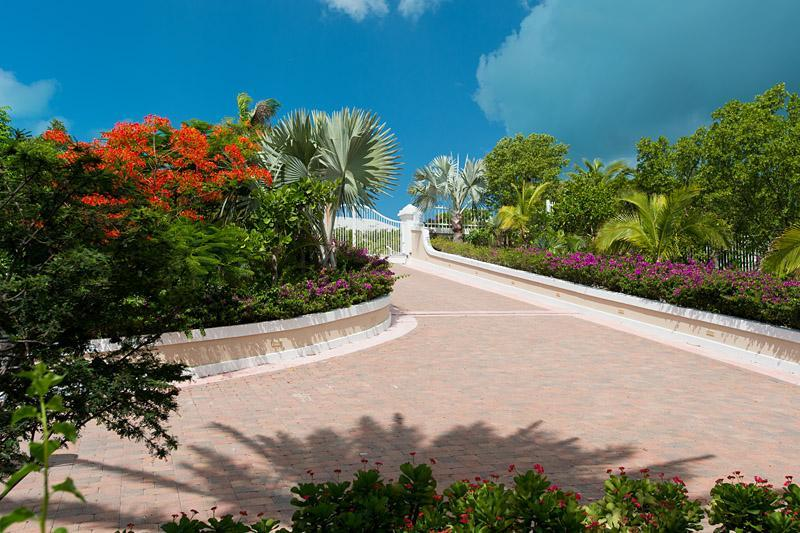 Entrance leading to Villa Splendida - Luxury 5 bedroom Ocean front Villa - Chalk Sound - rentals