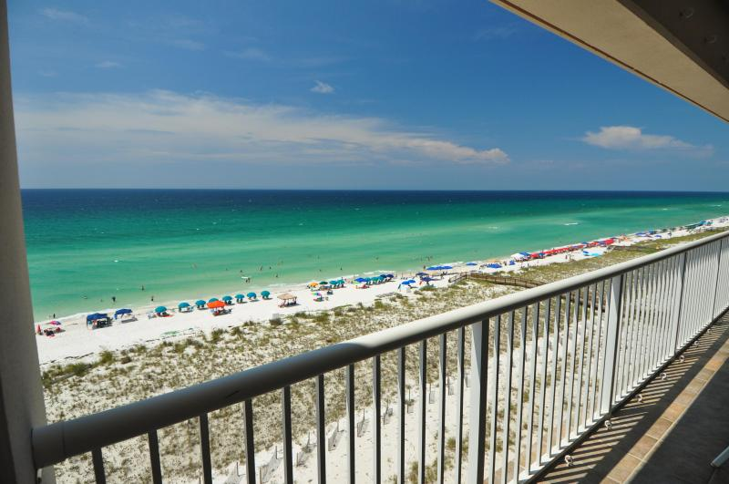 Huge 9' by 30' balcony overlooks the beautiful Navarre Beach & the Gulf - Direct Gulf Front 2br/2ba, Huge Balcony - Navarre - rentals