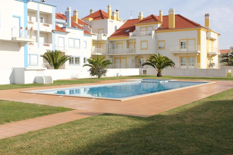 Beautiful 1 bedroom condo with swimming Pool - Image 1 - Baleal - rentals