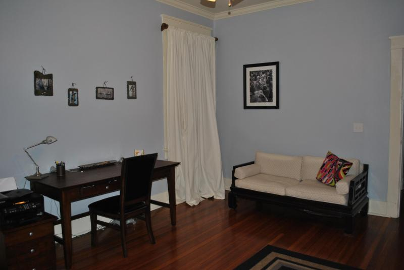 All the Comforts of Home -- Uptown/Garden District - Image 1 - New Orleans - rentals