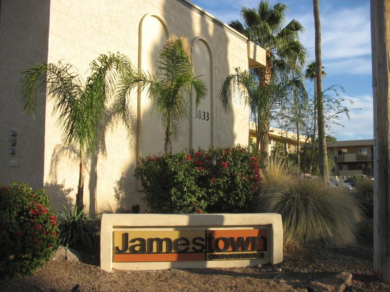 Jamestown Condominiums - Wonderful 2/1 Fully Furnished condo in E. Phoenix - Phoenix - rentals