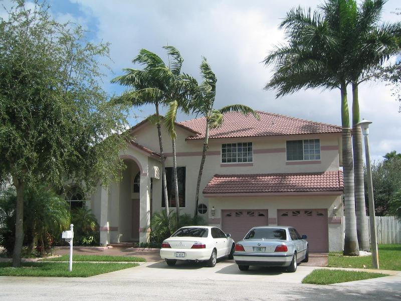 Special Offer Low Season $1750 Rate- Pool Mansion - Image 1 - Pembroke Pines - rentals