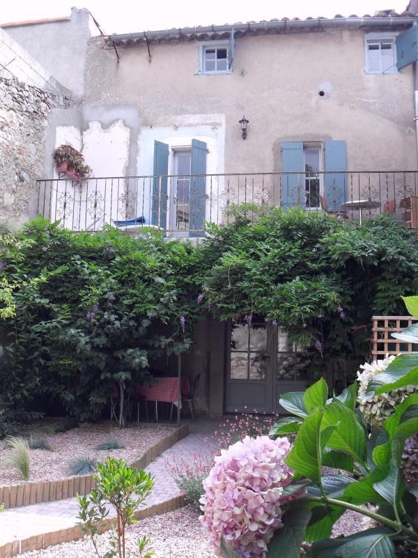 Large sunny garden with balcony and views over the river - La Maison du Cure - Charming 3 bed village house - Caunes-Minervois - rentals