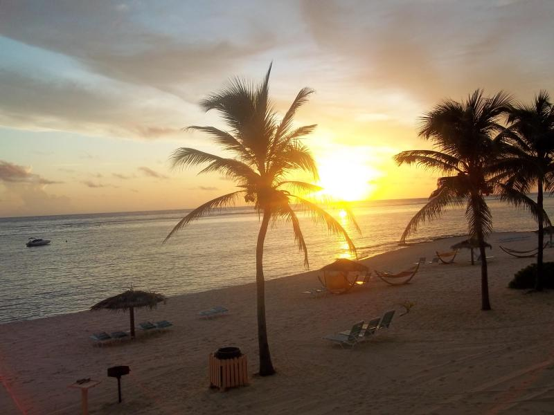 walk out to the beach - morritts tortuga   Grand Cayman - Florida - rentals