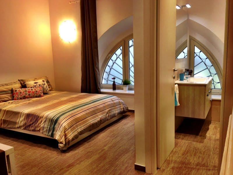 Nice central location close to Colosseum, sleeps 4 - Image 1 - Rome - rentals