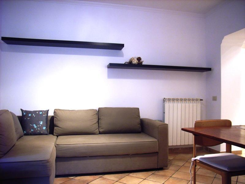 Living room with sofa bed - Comfort apartment in Rome for up to 5 persons - Rome - rentals