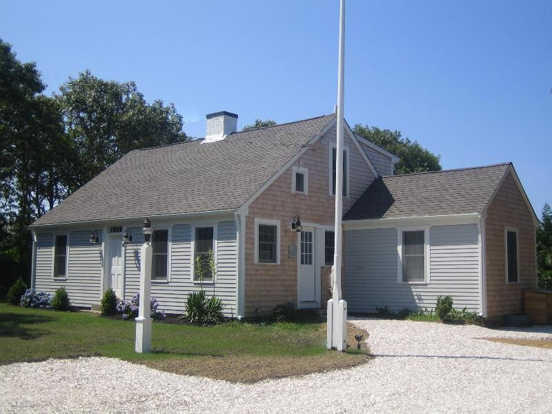 Classic Cape Cod House in Quiet, Private, Seaside Neighborhood - Fabulous Chatham Hardings Beach Cape Cod Property - Chatham - rentals