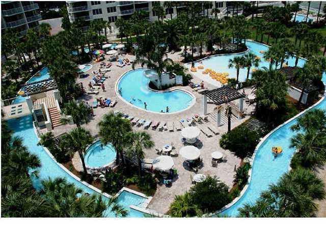 Zero entry pool great for little kids - *May up to 30% off **June and July availability - Fort Walton Beach - rentals
