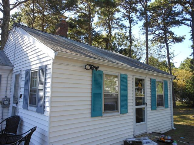 Charming exterior front of cottage - Great Affordable Beach Cottage - Packed with Amenities! - Dennis Port - rentals