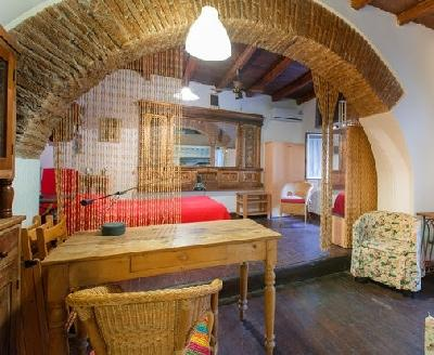 Studio apartment in the HEART OF TRASTEVERE - Image 1 - Rome - rentals