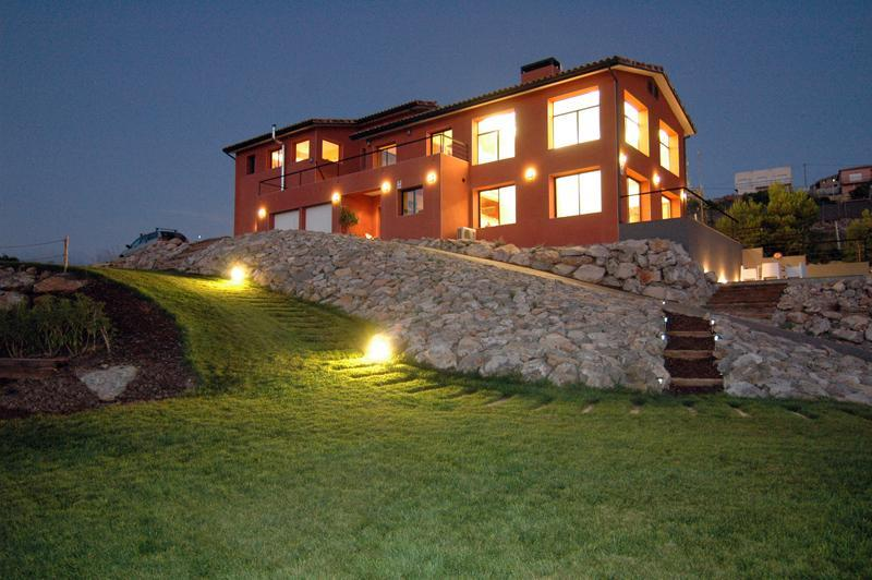 House in the evening - Villa Alicia, a Modern home in Garraf Natural Park - Sitges - rentals