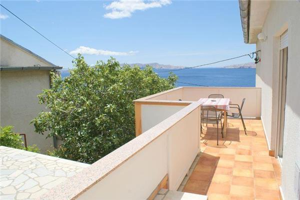 Apartment for 5 persons near the beach in Senj - Image 1 - Senj - rentals