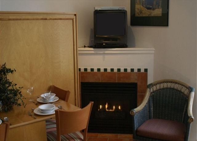 Fireplace - Alpenglow - Central location, free internet, pool, hot tub and gym - Whistler - rentals