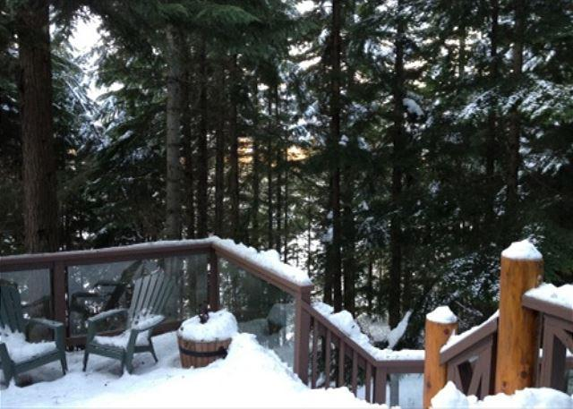 Deck view - Cedar Hollow - Quiet mountainside location with free parking - Whistler - rentals