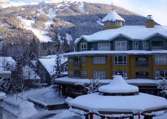 View from Deer Lodge in Winter - Deer Lodge - Whistler Village stroll location, walking distance to lifts - Whistler - rentals