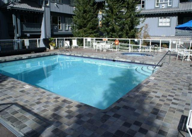 Glacier Lodge - Upper Village Ski in Ski out with pool and hot tub access - Image 1 - Whistler - rentals