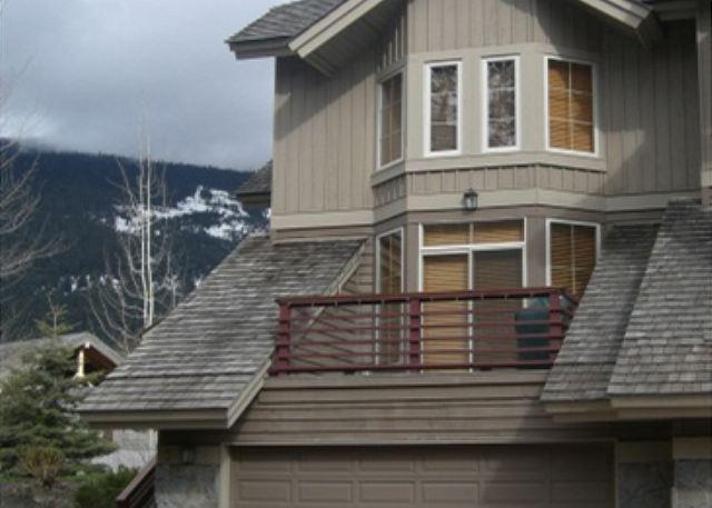 Nicklaus North - Luxury property steps from golf course - Image 1 - Whistler - rentals