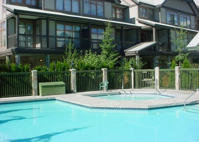 Quiet location, free parking & pool and hot tub access - Image 1 - Whistler - rentals