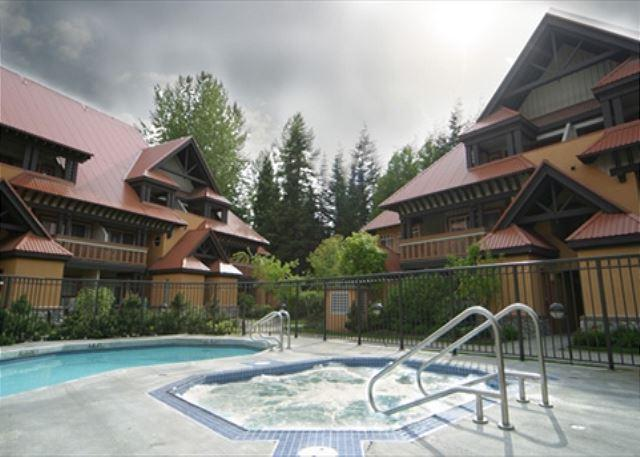 Whistler Village location, free parking and internet, pool and hot tub access - Image 1 - Whistler - rentals