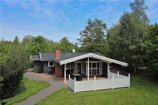 Holiday house for 6 persons in Sømarken - Image 1 - Akirkeby - rentals