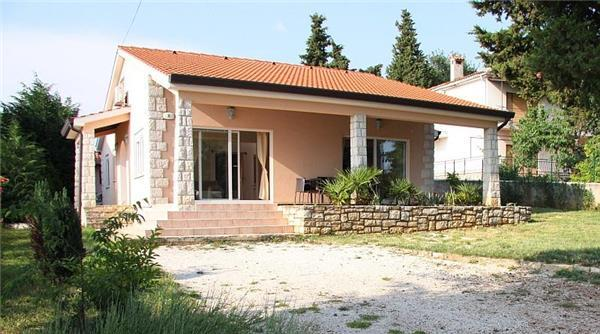 Holiday house for 8 persons, with swimming pool , in Porec - Image 1 - Baderna - rentals