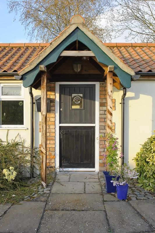 Front stable door entrance - Bluebell Retreat Holiday Cottage - Woodhall Spa - rentals