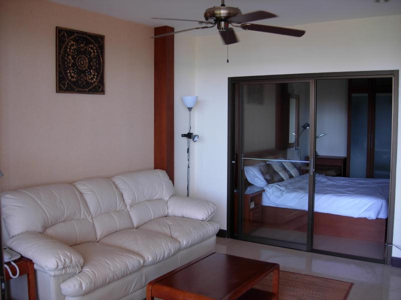 3 Room 84 m2 beach apartment with sea view - Image 1 - Ban Bueng - rentals
