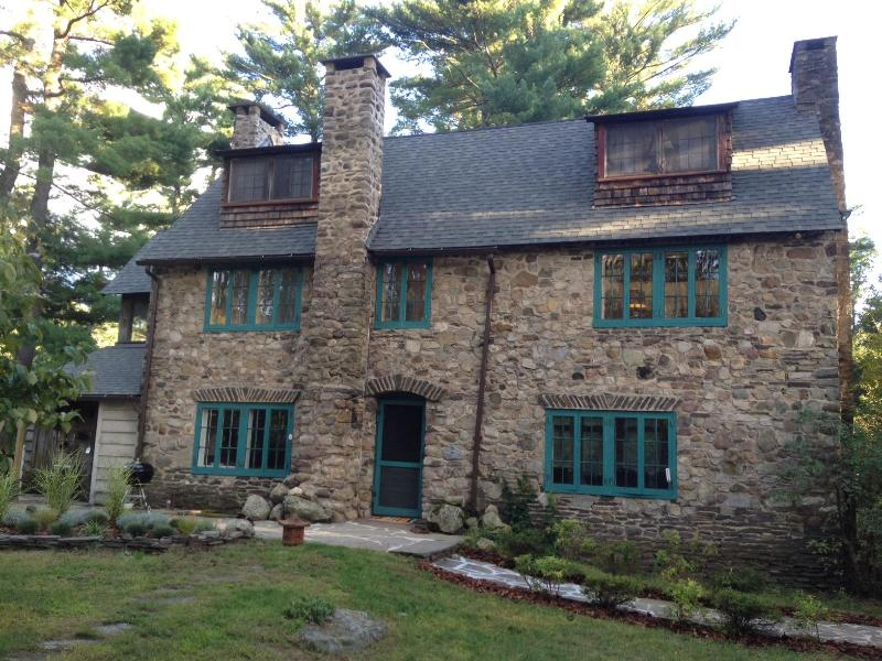 Fairytale Country House - Woodstock Country House: Great for Guests w/ Dogs - Woodstock - rentals
