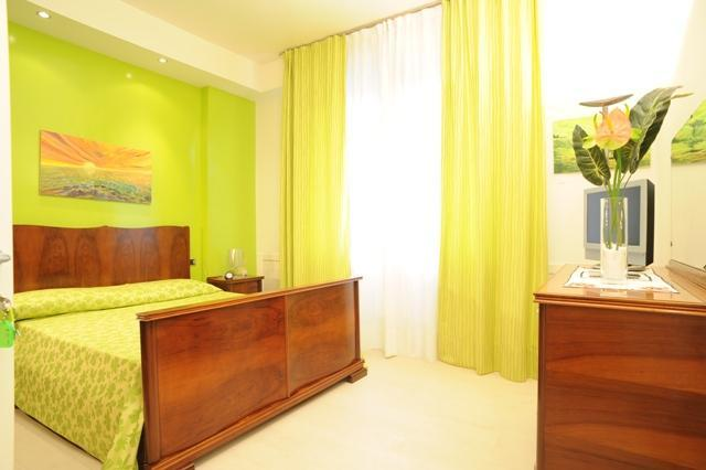 double bedroom - Green apartment Romitorio, Siena centre - Siena - rentals