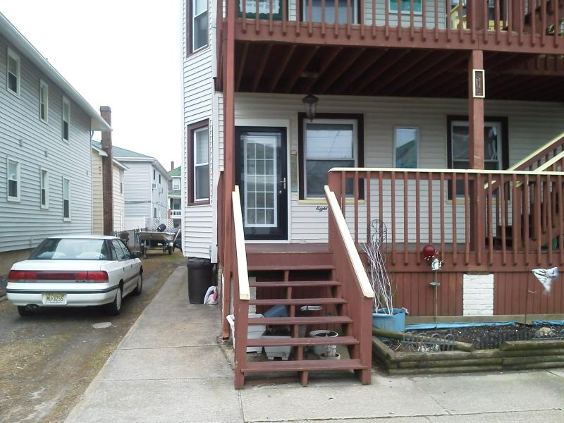 7th Street Front - Beach Block First floor four bedrooms - Ocean City - rentals