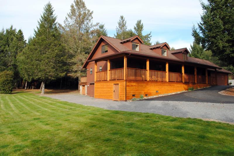 Wineberry Lodge - Wineberry Lodge  Indoor/Outdoor Kitchens - Sebastopol - rentals