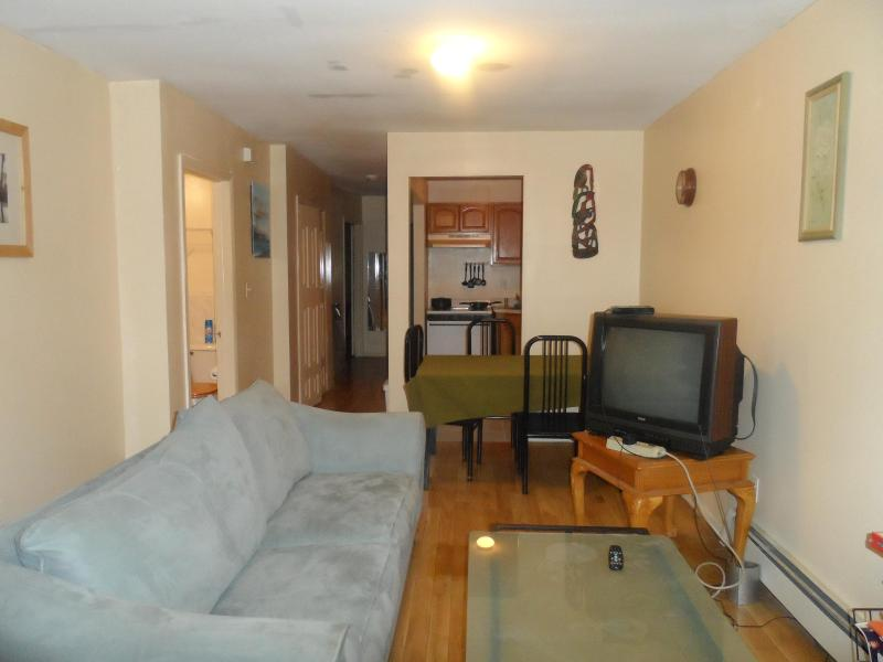 Living room, bathroom, dining area, kitchen, hallway leading to bedrooms - 2 bedrms, 2 bathrms, & 15 mins to Manhattan - Brooklyn - rentals