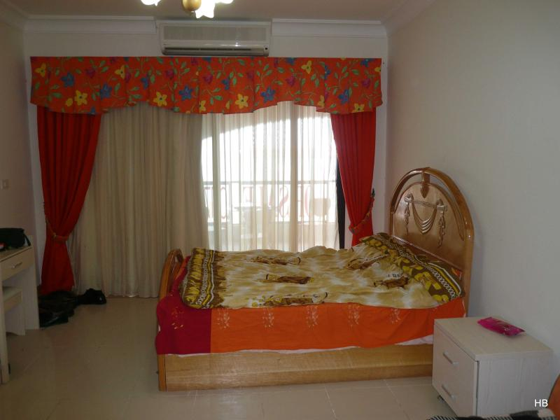 100385- One double bed studio, The View Compound, Hurghada - Image 1 - Hurghada - rentals