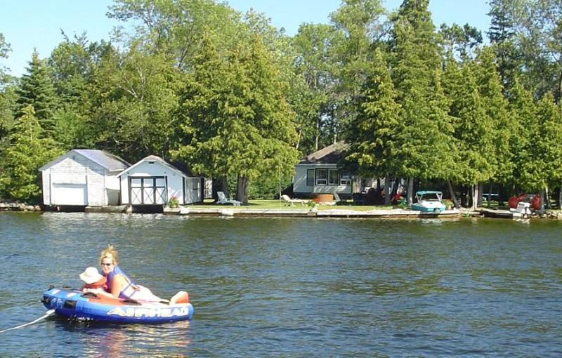 Beautiful Bobcaygeon Waterfront w/ Wheelchair Acc. - Image 1 - Bobcaygeon - rentals