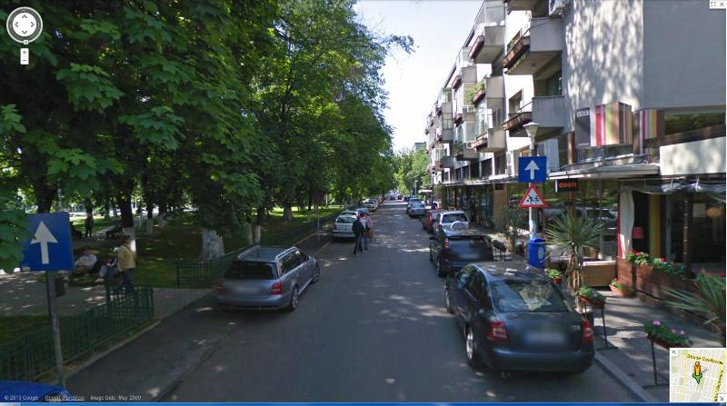 Outside view, block and park - Great park side apartment residential part of town - Bucharest - rentals