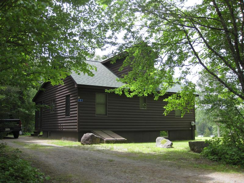 Cabin & driveway - Lakefront cabin with scenic mountain views - Rangeley - rentals