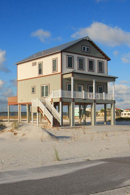 Front and Side View of House - THE SEABREEZE COTTAGE - Navarre - rentals