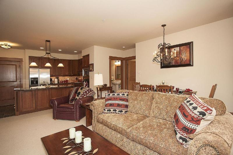 Unparalleled Ski Slope Views from EVERY room of this right-on-the-slope condo  - Premier 2BR/3BA Ski-In/Out THE BEST Ski Hill Views - Keystone - rentals
