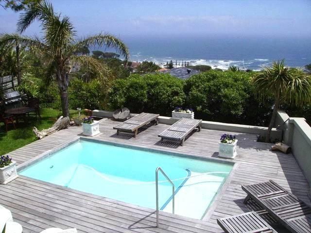 2 bedroom apartment with pool in Camps Bay - Image 1 - Camps Bay - rentals