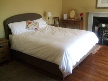 Main Bedroom - 2 Bedroom  in West End  Edinburgh - Edinburgh - rentals