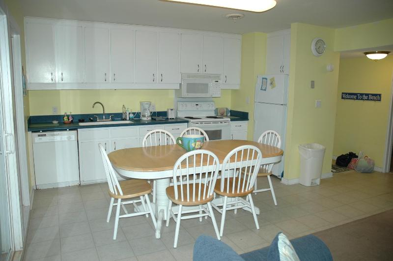Fully Stocked oceanfront kitchen - S seas the day west - Emerald Isle - rentals