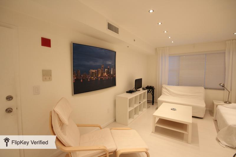 South Beach Apartment - Image 1 - Miami Beach - rentals