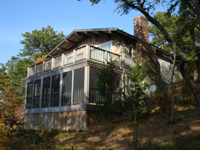 Screened porch off 2 bedrooms, deck above! - Contemporary to relax, Screened porch,  Internet. - Wellfleet - rentals