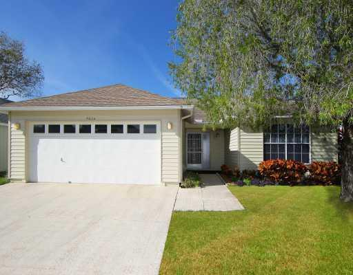 2 Bedroom / 2 Bath Close to Beaches & Img Academy - Image 1 - Bradenton - rentals